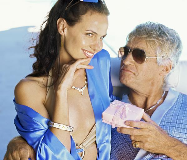 The Pros and Cons of Dating Someone Older